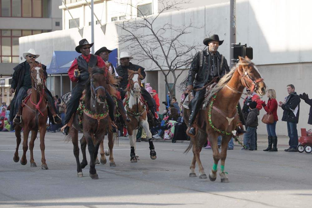 Holiday-Parade-Toledo-Horsemen-Club