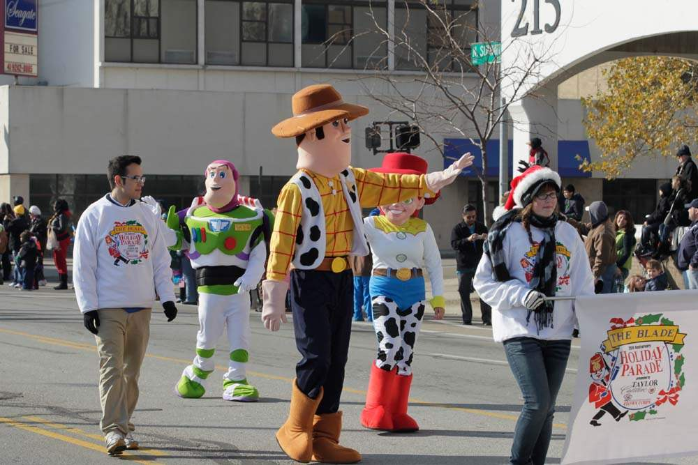 Holiday-Parade-Toy-Story