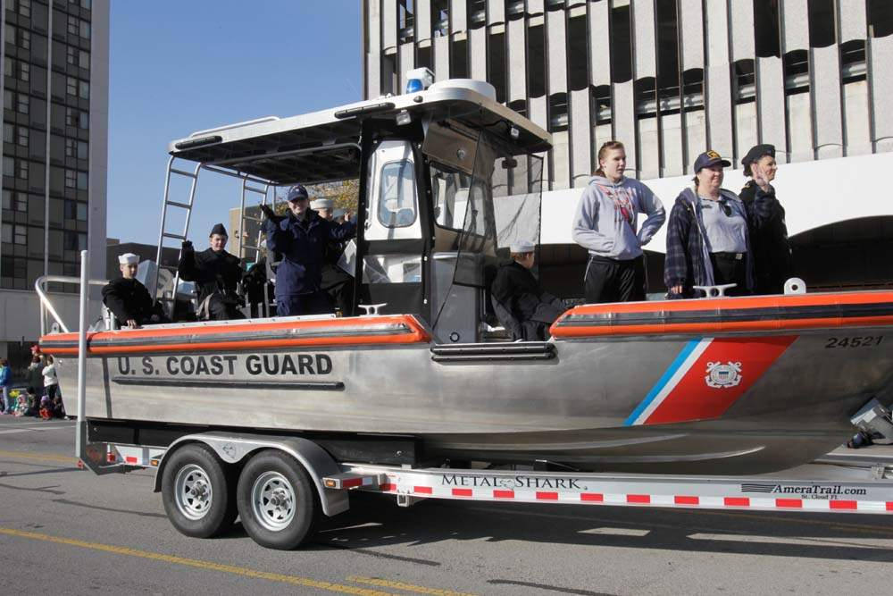 Holiday-Parade-U-S-Coast-Guard