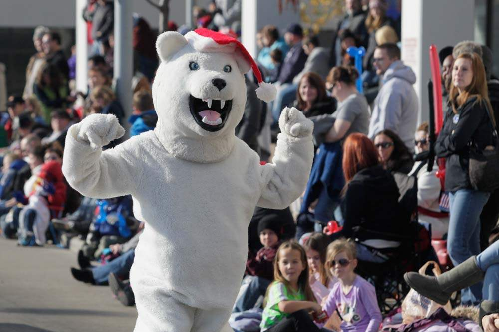 Holiday-Parade-polar-bear