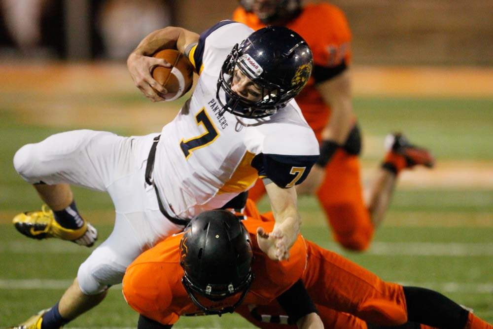 Whitmer-football-Nick-Holley-1