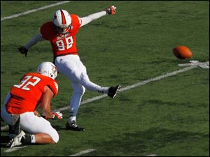This field goal attempt by BGSU's Tyler Tate was no good.