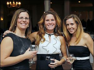 Aimee Hanf, left, Pamela Johnson, center, and Cindi Hamblin at the Kidney Foundation event.