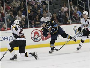Toledo's Willie Coetzee puts up a shot on goal during the first period of Friday night's game against Cincinnati.