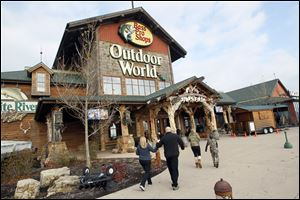 Shoppers arrive at Bass Pro Shop for the Black Friday sales.