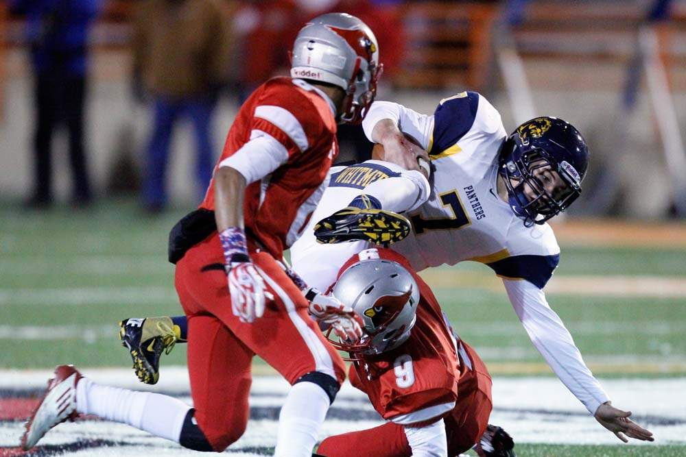 Whitmer-wins-semifinal-QB-bounce