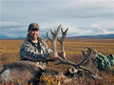 Tim-Newlove-with-trophy-caribou