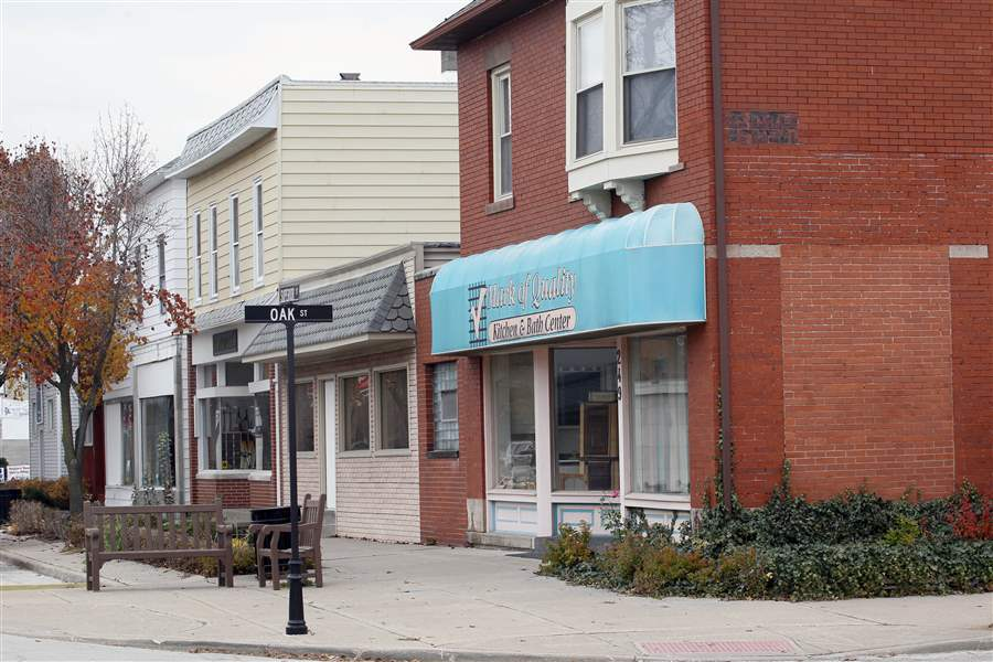 Downtown-Rossford-businesses