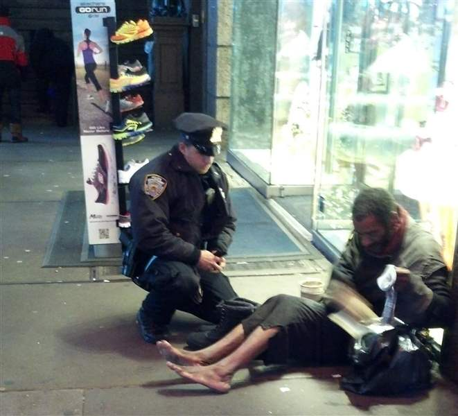 A-photo-provided-by-Jennifer-Foster-shows-New-York-City-Police-Officer-Larry-DePrimo