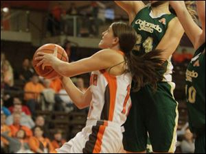 BGSU's Jillian Halfhill gets between defender Alicia Nichols and the basket in the second half.