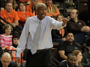 BGSU coach Louis Orr in the second half against YSU.