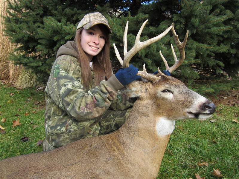 Katelyn-Spalding-DEER-HUNTER