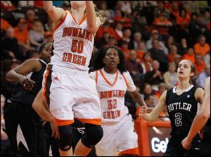 BGSU's Miriam Justinger drives to the basket against Butler.
