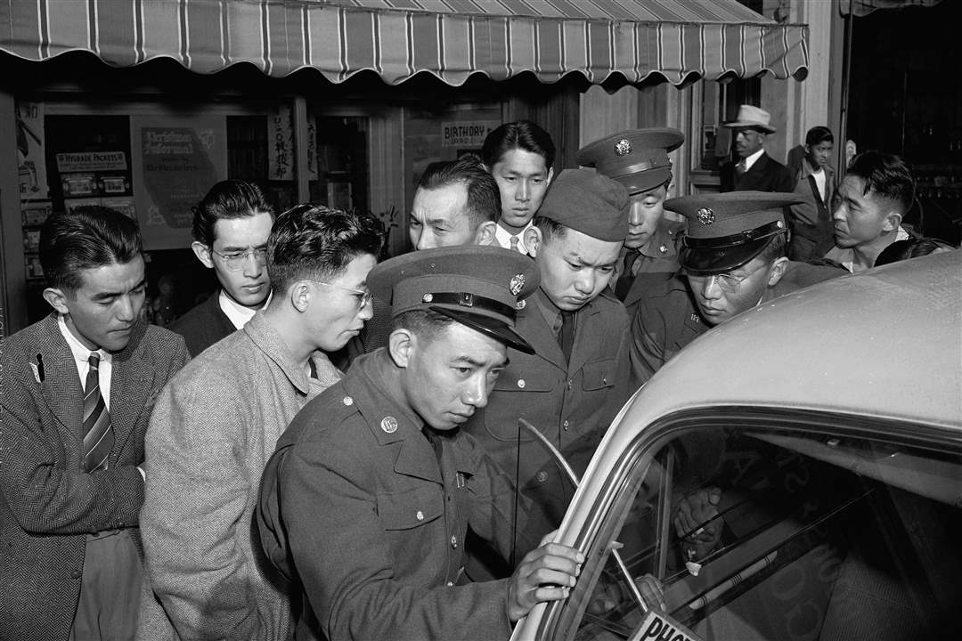 Young-Japanese-Americans-including-several-Army-selectees