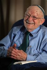 Abe-Weinerib-survived-six-years-in-Nazi-concentration-camps