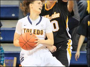 UT's Naama Shafir look to get around her defender.