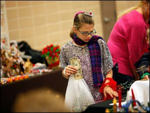 Kaylee Shinaver, of Sylvania, shops.