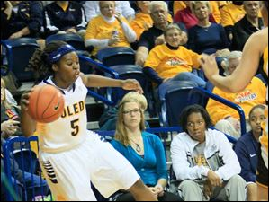 UT's Janelle Reed-Lewis keeps the ball inbounds for the Rockets.