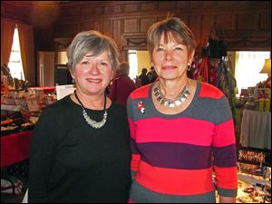 Toledo Bar Auxiliary Trunk show Event chairmen, L-R, Jane George and Pam Herschel.