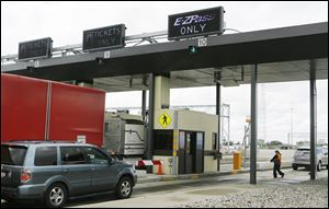 The gov­er­nor has in­cluded a 10-year toll freeze in his Ohio Turnpike proposal for pas­sen­ger ve­hi­cles mak­ing trips of 30 miles or shorter while using E-ZPass elec­tronic tolling.