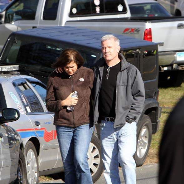 Sandy Hook Shooting Massacre At Connecticut Elementary: Connecticut School Tragedy