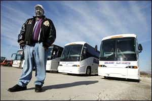 Michael Huggins has contracted with Blue Lakes Bus Co. for four buses to take area residents to Washington to witness the second inuaguration of President Obama next month.
