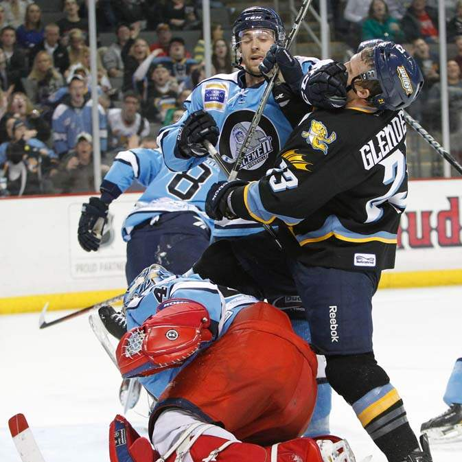 Walleye-Icemen-Luke-Glendening