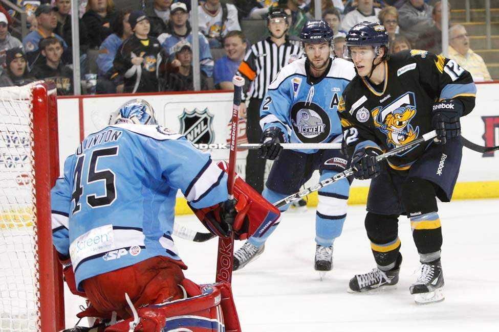 Walleye-Icemen-Travis-Novak