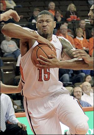 BGSU's A'uston Calhoun is averaging 16.3 points per game this season and needs two more for 1,000 in his career.