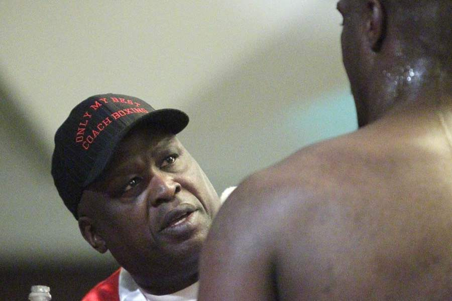 James-Buster-Douglas-speaks-with-his-fighter
