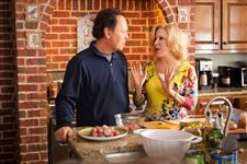 Review-Parental-Guidance-Billy-Crystal-Bette-Midler