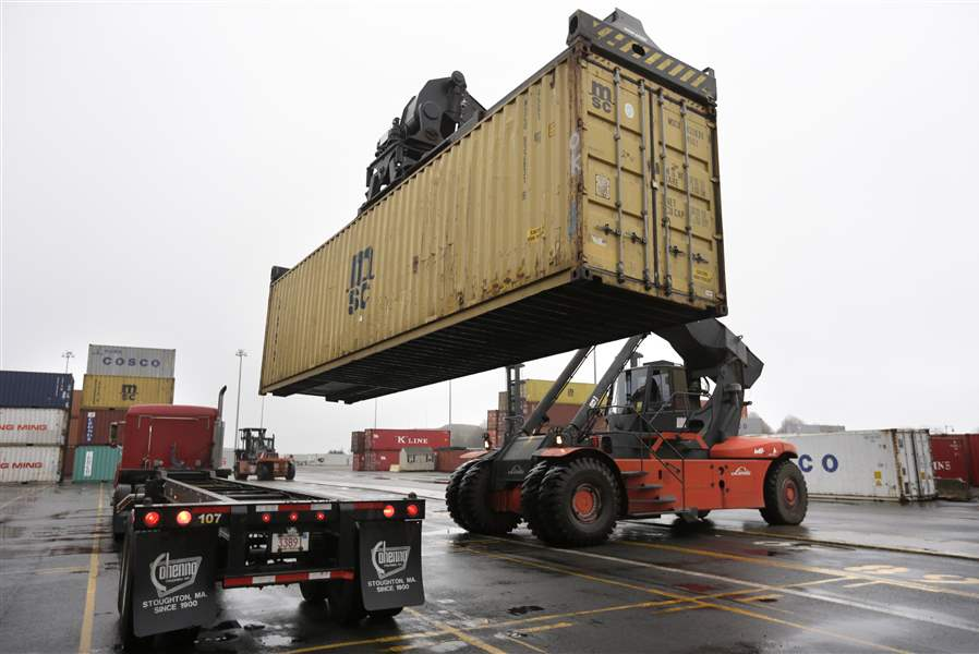 A-reach-stacker-operated-by-a-longshoreman