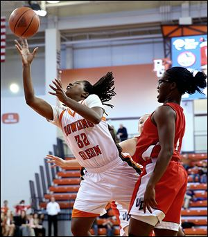 Bowling Green's Alexis Rogers, who had 20 points and 10 rebounds, shoots against Dayton's Olivia Applewhite.