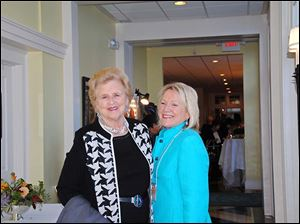 Susan Reams and Country Garden Club President Ginger Knudson.