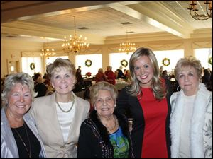 (L-R)  PJ Schafer, fashion show chair Barbara Baumgartner, auxililary president Ann Galloway, WNWO (NBC) Today host Abby Powell and general chair, Patricia Hilfinger.