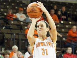 Bowling Green State University's Chrissy Steffen shoots a three pointer.
