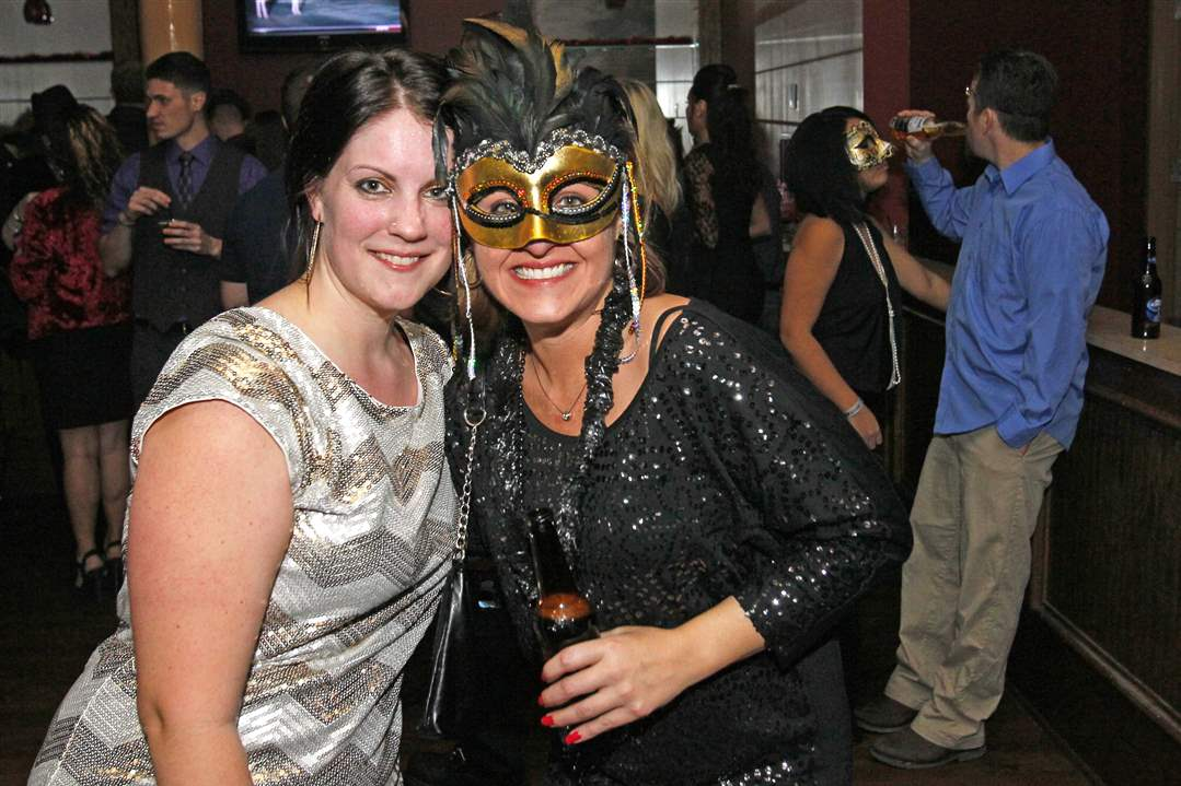 SOC-Masquerade31p-Andrea-Rutan-left-and-Sarah-Labigne