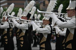 The Glassmen Drum and Bugle Corps fields a group of about 150 ranging in age from 14 to 22. They travel to parades and drum-and-bugle competitions throughout the country.