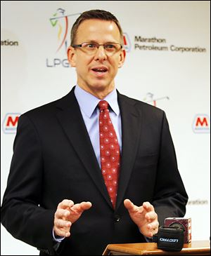 Tom Kelly, senior vice president of marketing for Marathon Petroleum Corp., speaks during the announcement that Marathon is the new title sponsor of the LPGA tournament in Sylvania.