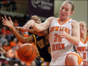 BG forward Allison Papenfuss (20) battles Kent State's Amber Dunlap (4) for a rebound.