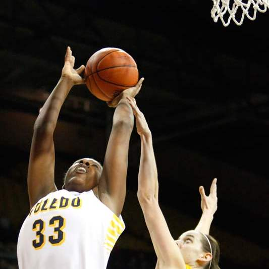 University-of-Toledo-s-center-Yolanda-Richardson-33-puts-up-two-points