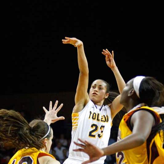 University-of-Toledo-s-forward-Inma-Zanoguera-1