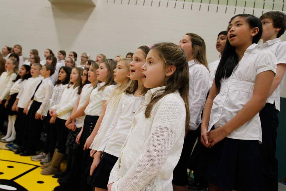 The-Central-Singers-Choir-performs