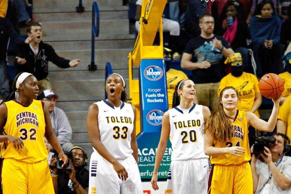 University-of-Toledo-s-center-Yolanda-Richardson-33