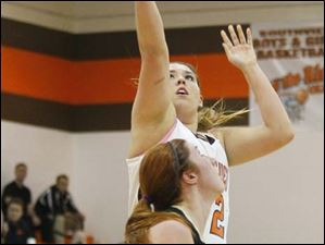 Southview's senior Madi Thomas (52) puts up a field goal.