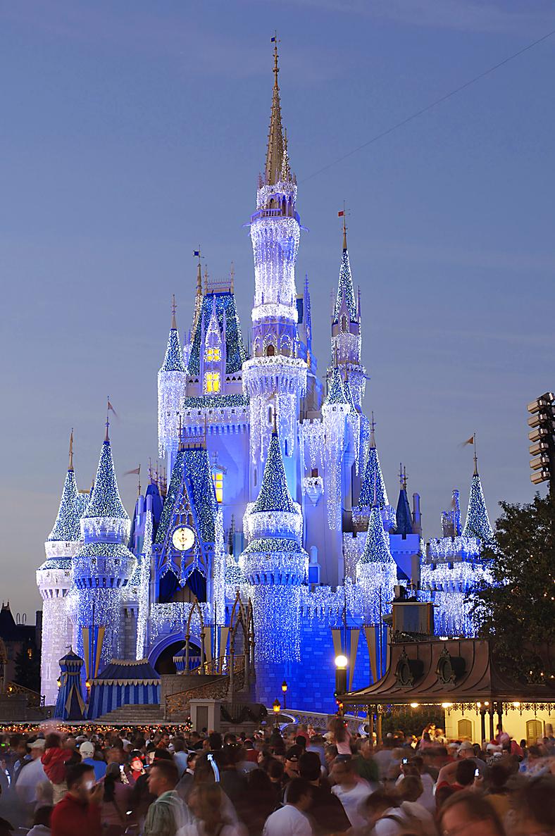 Disney S Magic Bracelet New Key To Its Kingdom The Blade