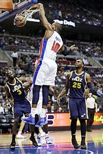 The-Pistons-Greg-Monroe-dunks