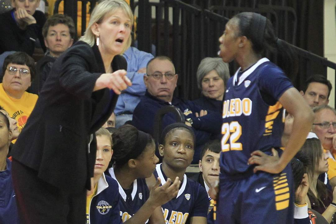 UT-associate-head-coach-Vicki-Hall