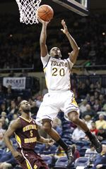 Toledo-s-Julius-Brown-goes-to-the-net