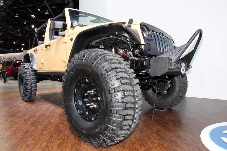 BIZ-AutoShow16p-customized-jeep